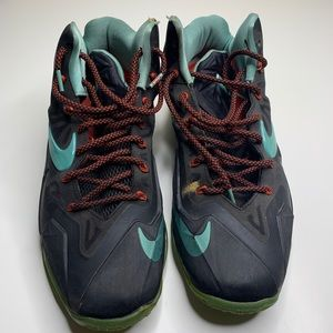 Nike LeBron 11 Diffused Jade Sneakers Size 13